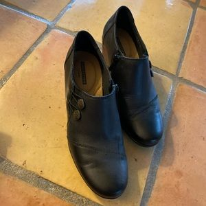 CLARKS ankle-boots - new